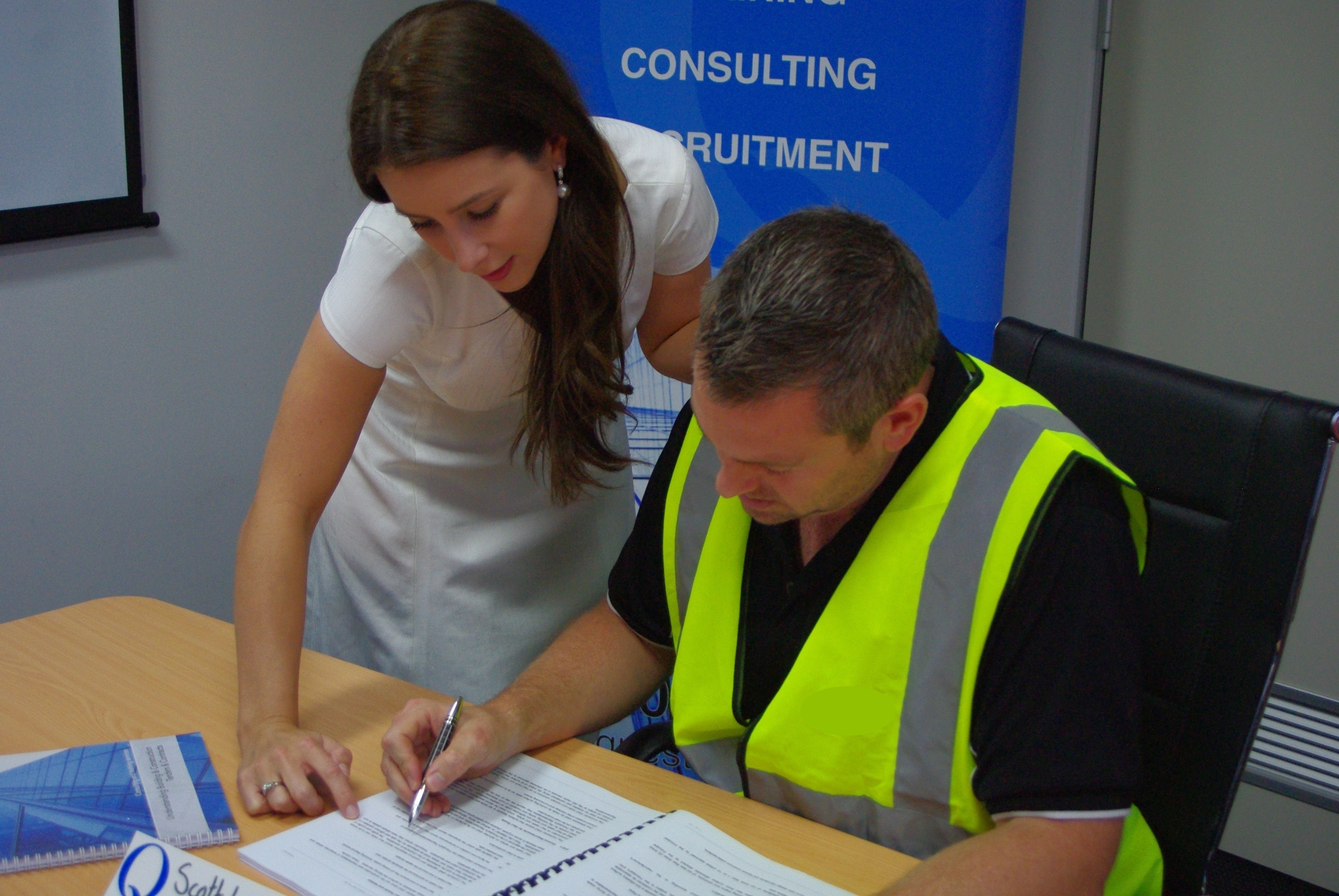 Contract and Tender Consulting Services